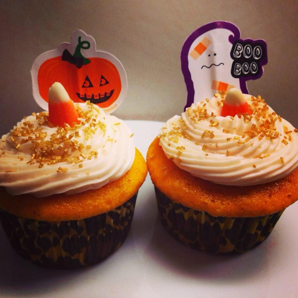 Vanilla bean pumpkin cupcakes with vanilla buttercream frosting!