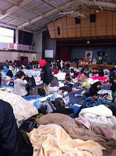 photo gambar pengungsian penampungan kota sendai