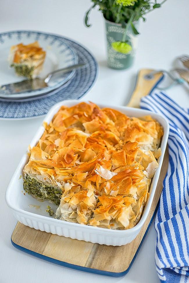Easy spanakopita (spinach pie) supergolden bakes