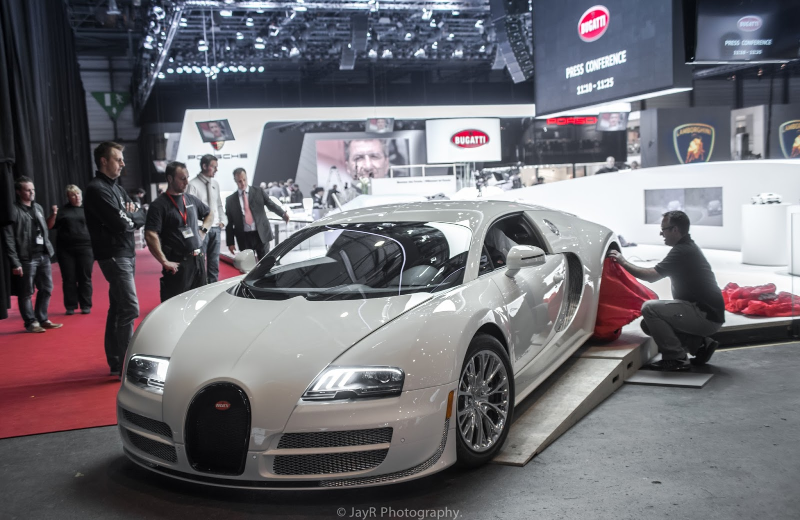 bugatti veyron super sport 300 | on a quest for the best.