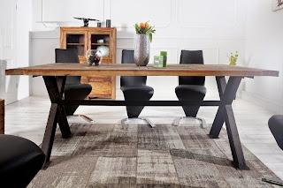 dreveny nabytok do jedalne, kovovy stol, stôl z kovu a dreva