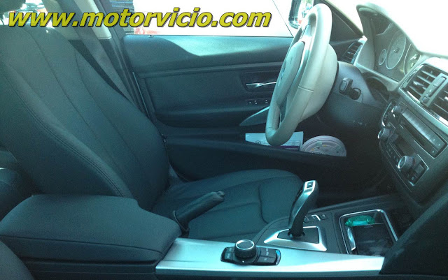 BMW 320i 2.0 Modern Turbo 2013 - interior