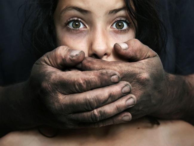 Violacin real a una mujer latina secuestrada