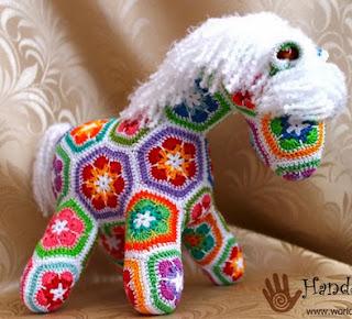 http://translate.googleusercontent.com/translate_c?depth=1&hl=es&rurl=translate.google.es&sl=auto&tl=es&u=http://world-hmade.ru/masterclass/horse.php&usg=ALkJrhhak8dQYZjvPJAtceOfUysvPQoT4g