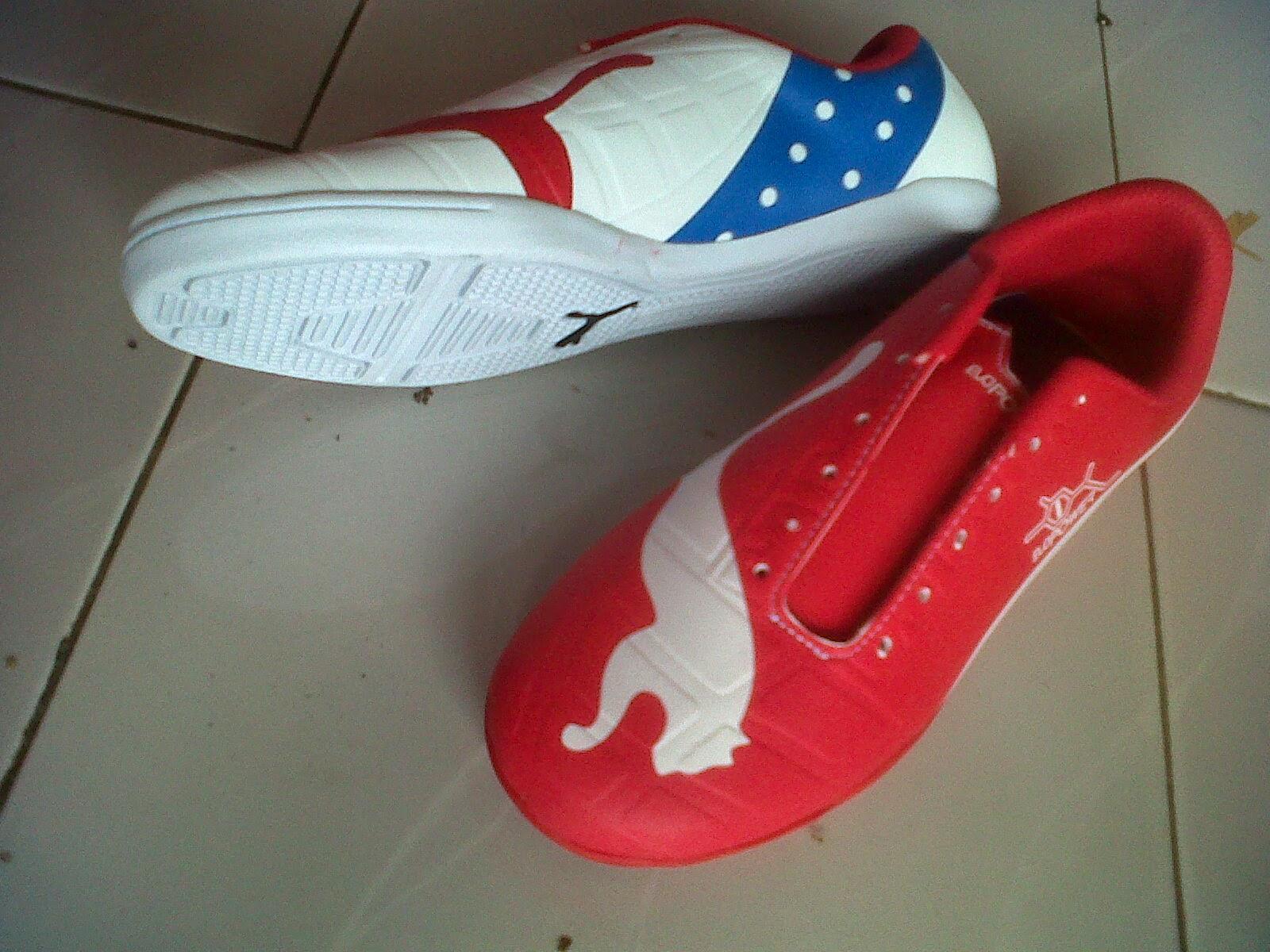sepatu futsal puma 2 warna