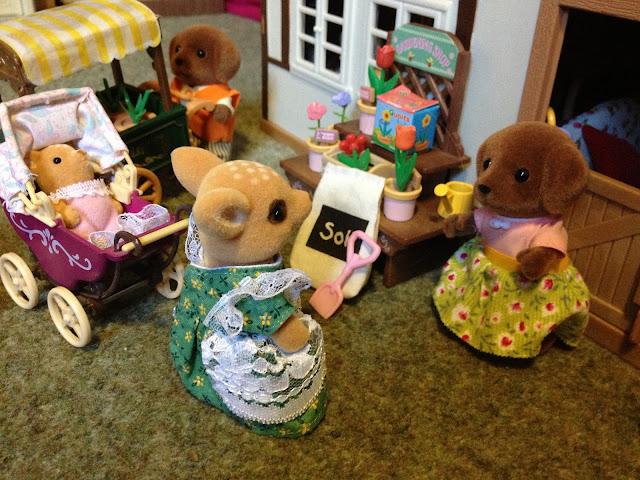 Sylvanian Families Village Flower Shop Stall Highfields Farm Moss Reindeer Baby Pram