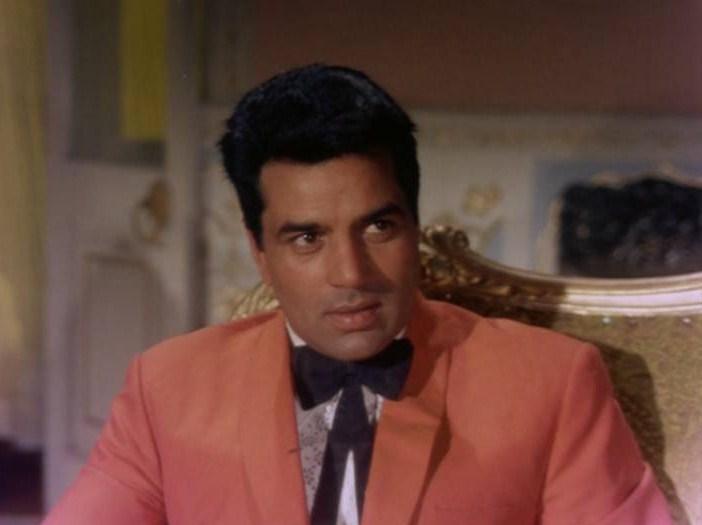 Bollywood Movie Fashion: Dharmendra in Raja Jani (1972)