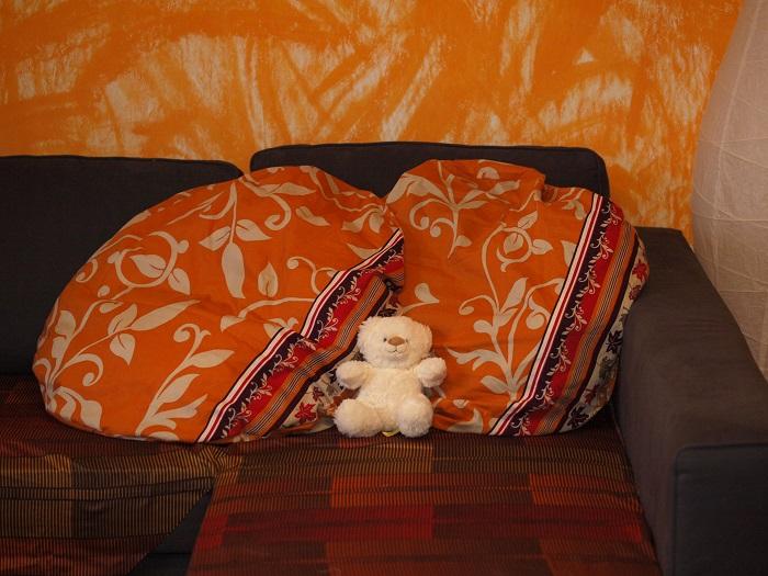 huegelring sofakissen im neuen kleid. Black Bedroom Furniture Sets. Home Design Ideas