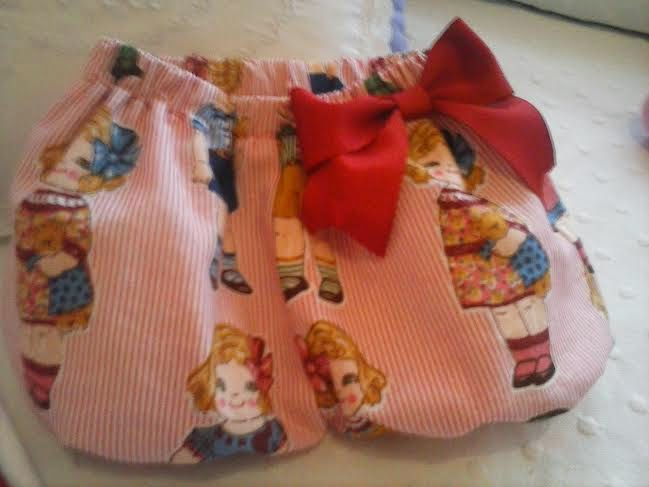 pantalon bombacho con tela de muñecas