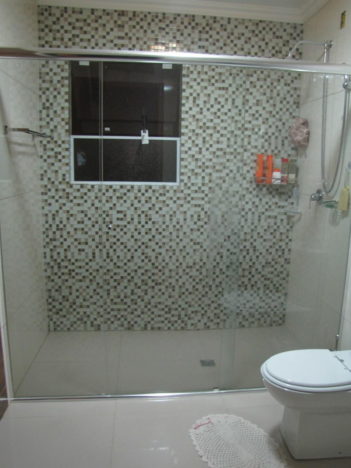Parede de cimento queimado do lavabo. #635045 1200x1600 Banheiro Cimento Queimado E Pastilhas
