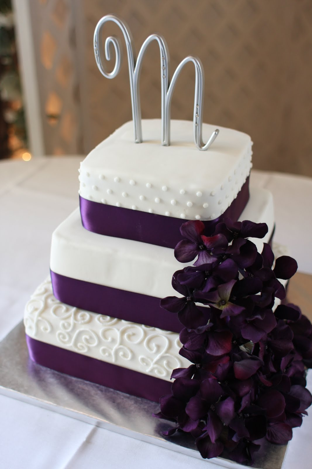 Purple And White Wedding Cakes & Becuo