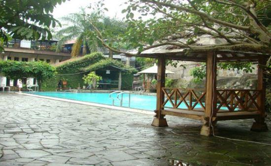 Pemandian alam kalibacin wisata di purwokerto