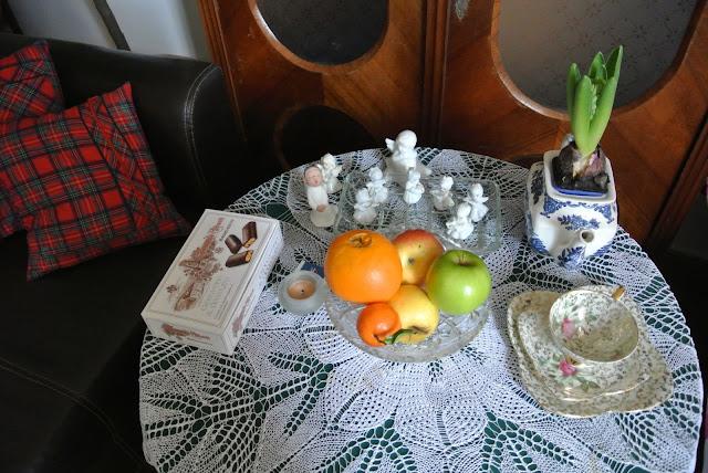 vintagetablescape antique porcelain teapot