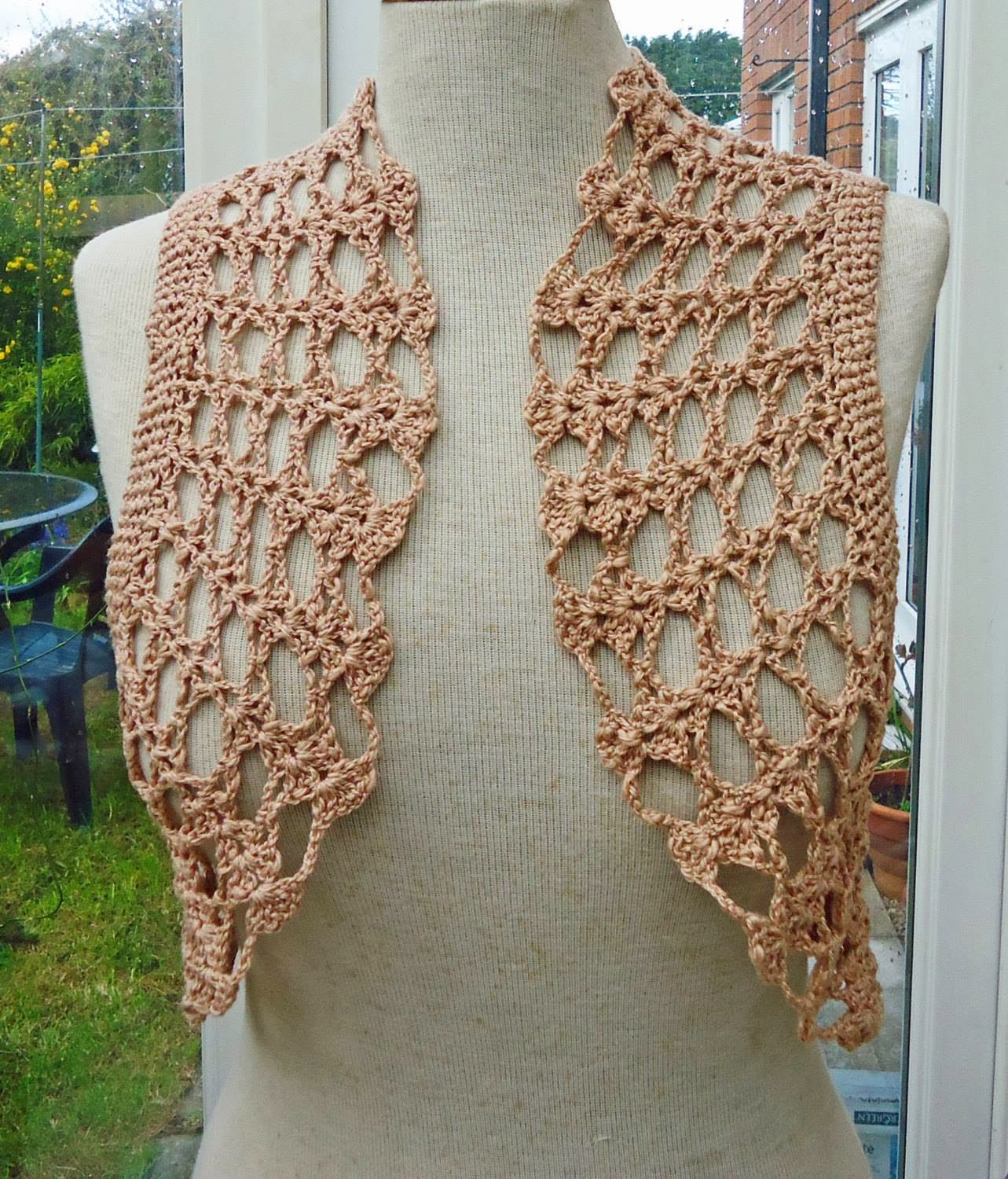 Crochet X-Stitch Shrug Free Pattern : My Twisted Dreams...: Circular Crochet Bolero - Free Pattern