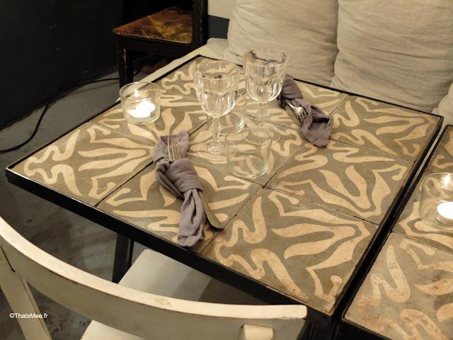 restaurant borgo delle tovaglie italie table carreaux ciment serviettes lin
