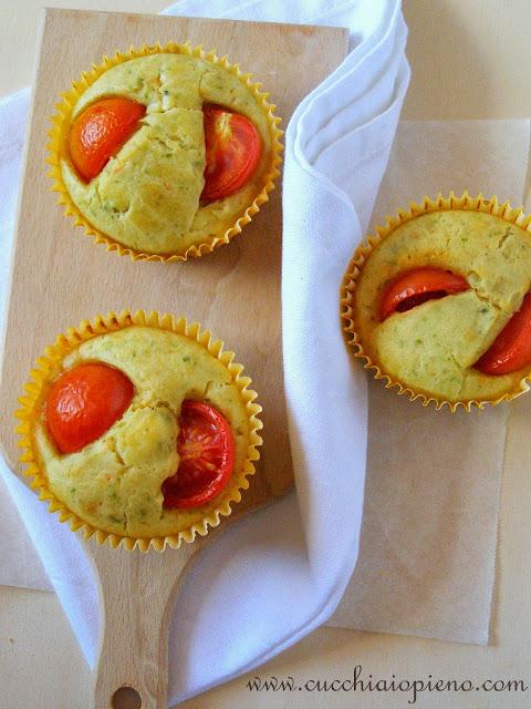muffin de queijo e tomate