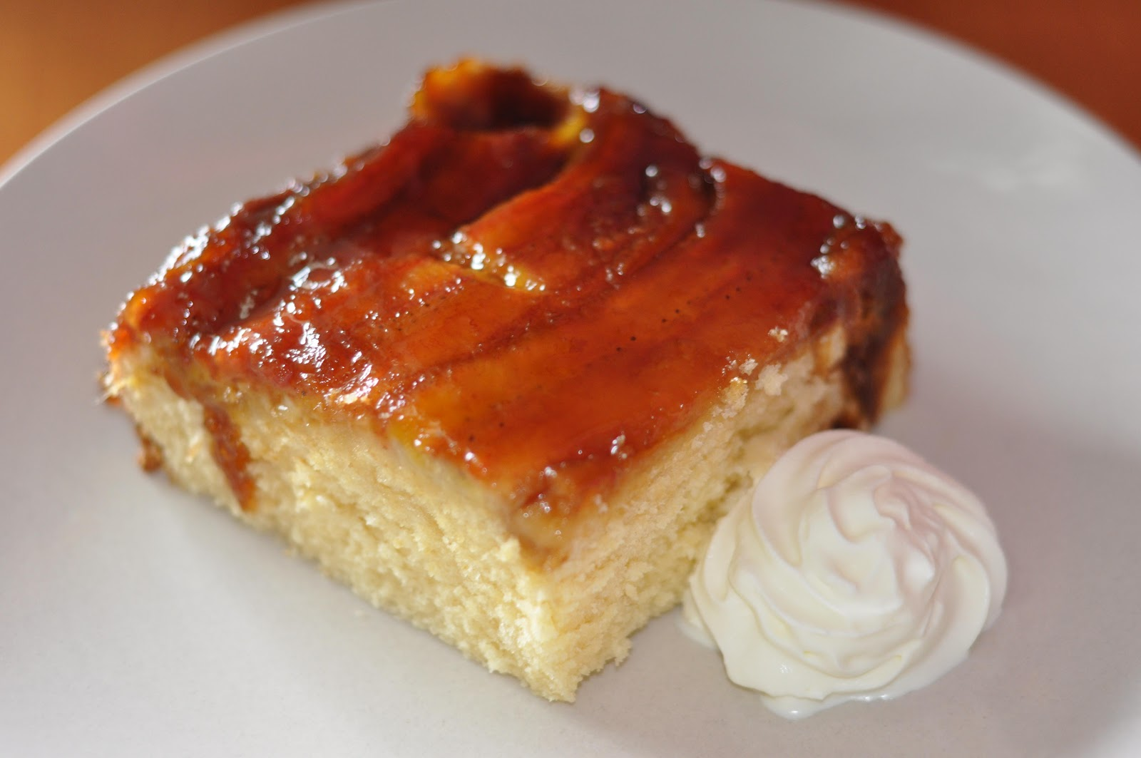 Jane's Kitchen: Banana Upside Down Cake