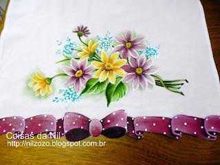 flores e laço