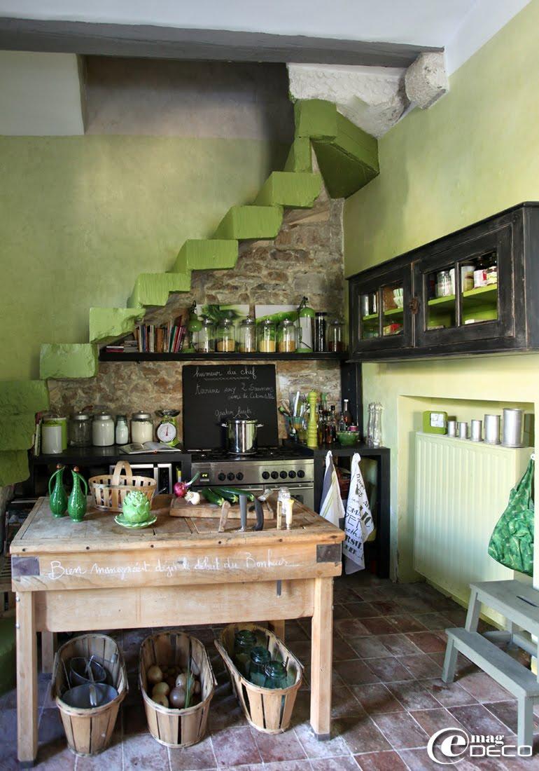 Cuisine de la maison d'hôtes 'Les Nomades Baroques' à Barjac