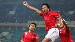 Video Cuplikan GoL 1-0 Hasil Pertandingan Indonesia vs Singapura AFF Cup 2012