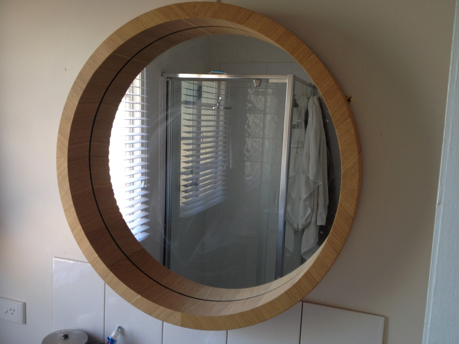 Perfect Sunny Round Illuminated Mirror Buy Online At Bathroom City