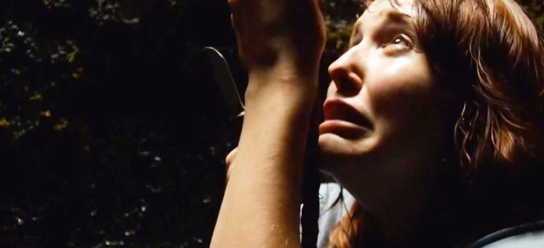Assista ao trailer do terror sobrenatural The Devil's Hand, com Jennifer Carpenter e Rufus Sewell