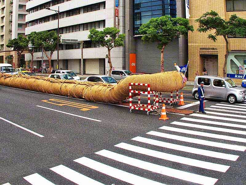 traffic, HWY 58,policeman,end of rope looped