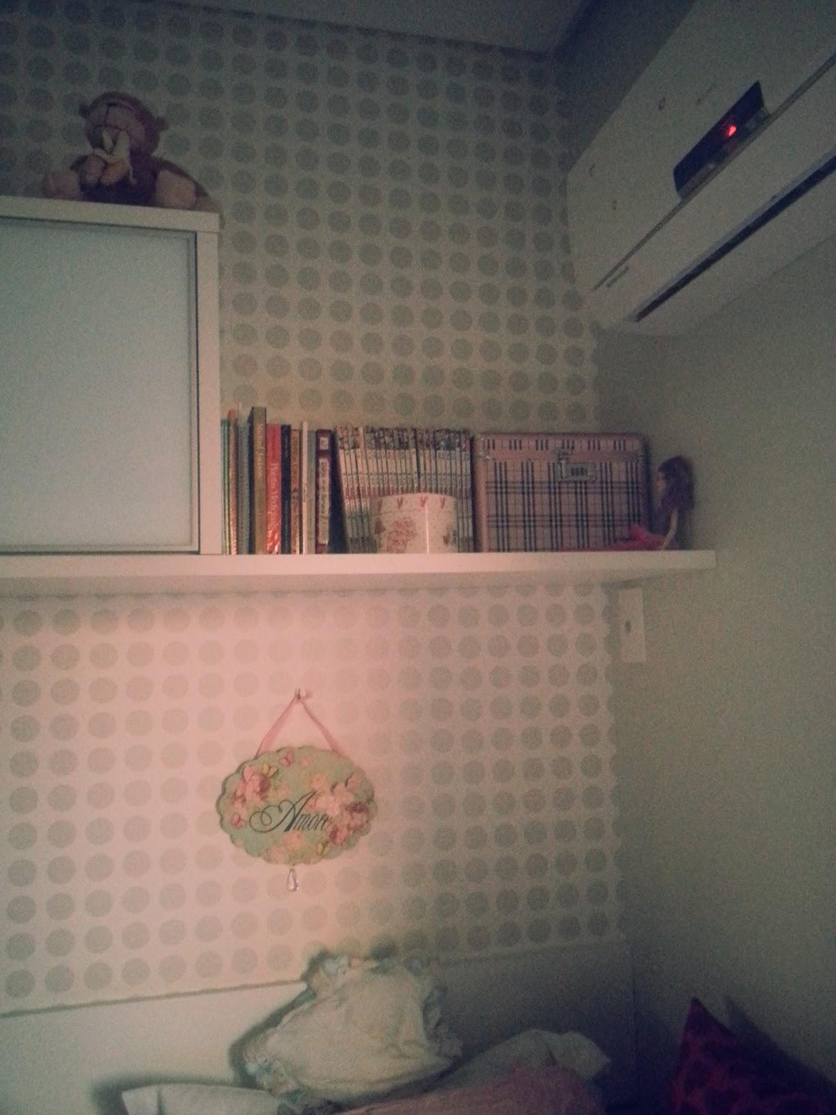 No final dos escaninhos tem essa estante que eu uso para guardar umas  #954C36 1200x1600
