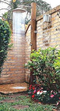 Bom e barato ducha no jardim for Duchas para piscina