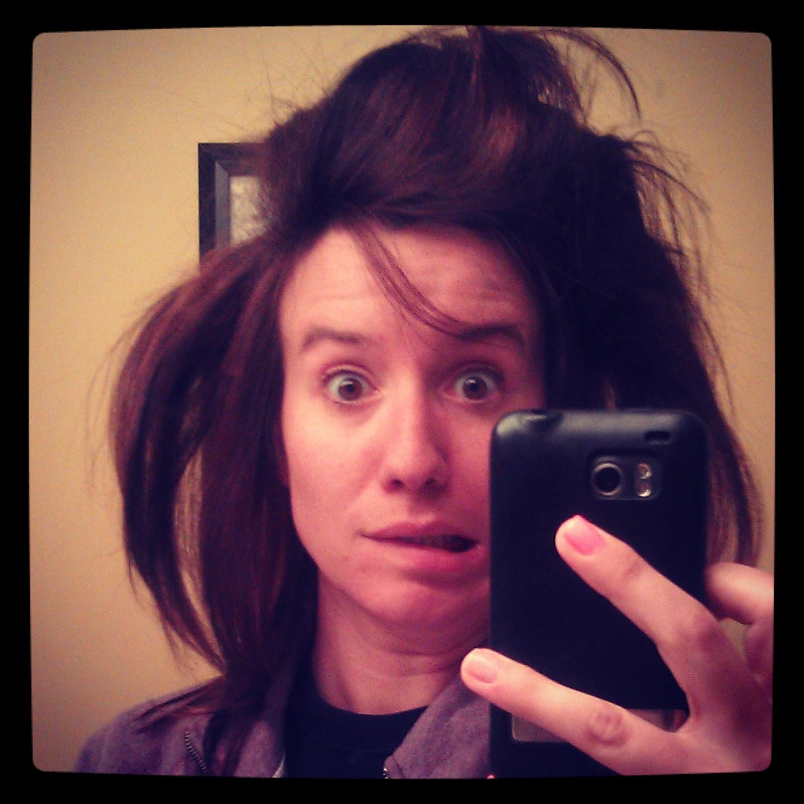 Ugly Girl Mirror Selfi...