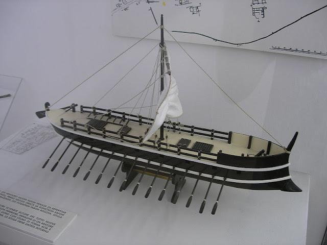Gambar Kapal Layar Galleas replika miniatur