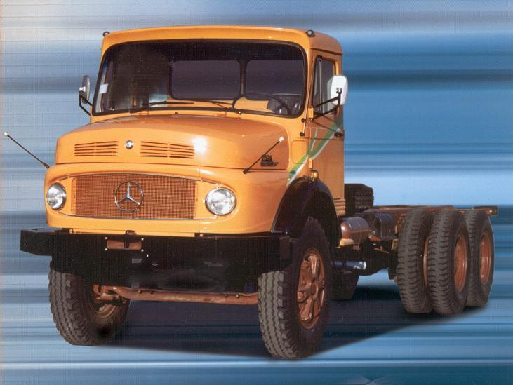 Autominder mercedes benz truck long nose for Old mercedes benz trucks