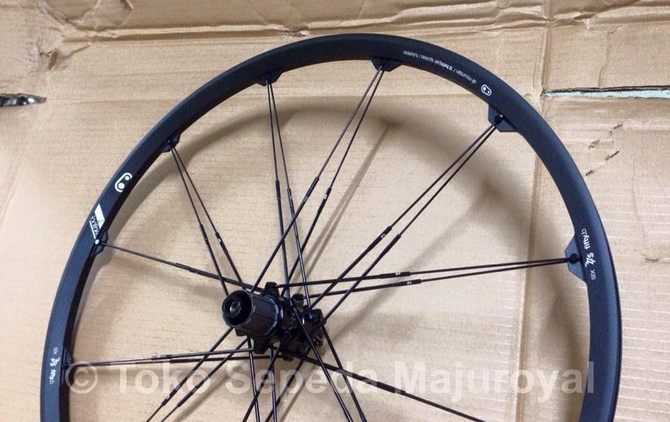 "Wheelset 27,5"" atau 26"" Crankbrothers Iodine2 Black Rear"