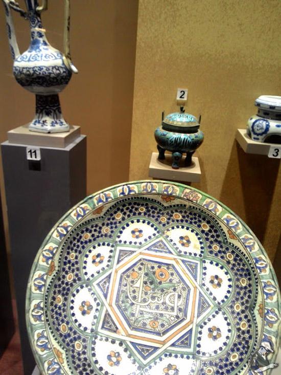 Pengaruh Islam dan Budaya Cina dalam Seramik