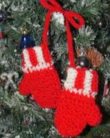 http://translate.googleusercontent.com/translate_c?depth=1&hl=es&rurl=translate.google.es&sl=en&tl=es&u=http://cobblerscabin.wordpress.com/happy-hookin/mittens-ornament-4-12-free-crochet-pattern/&usg=ALkJrhhV-rdnIah7piw6nbmzHV7Y0H0vAw