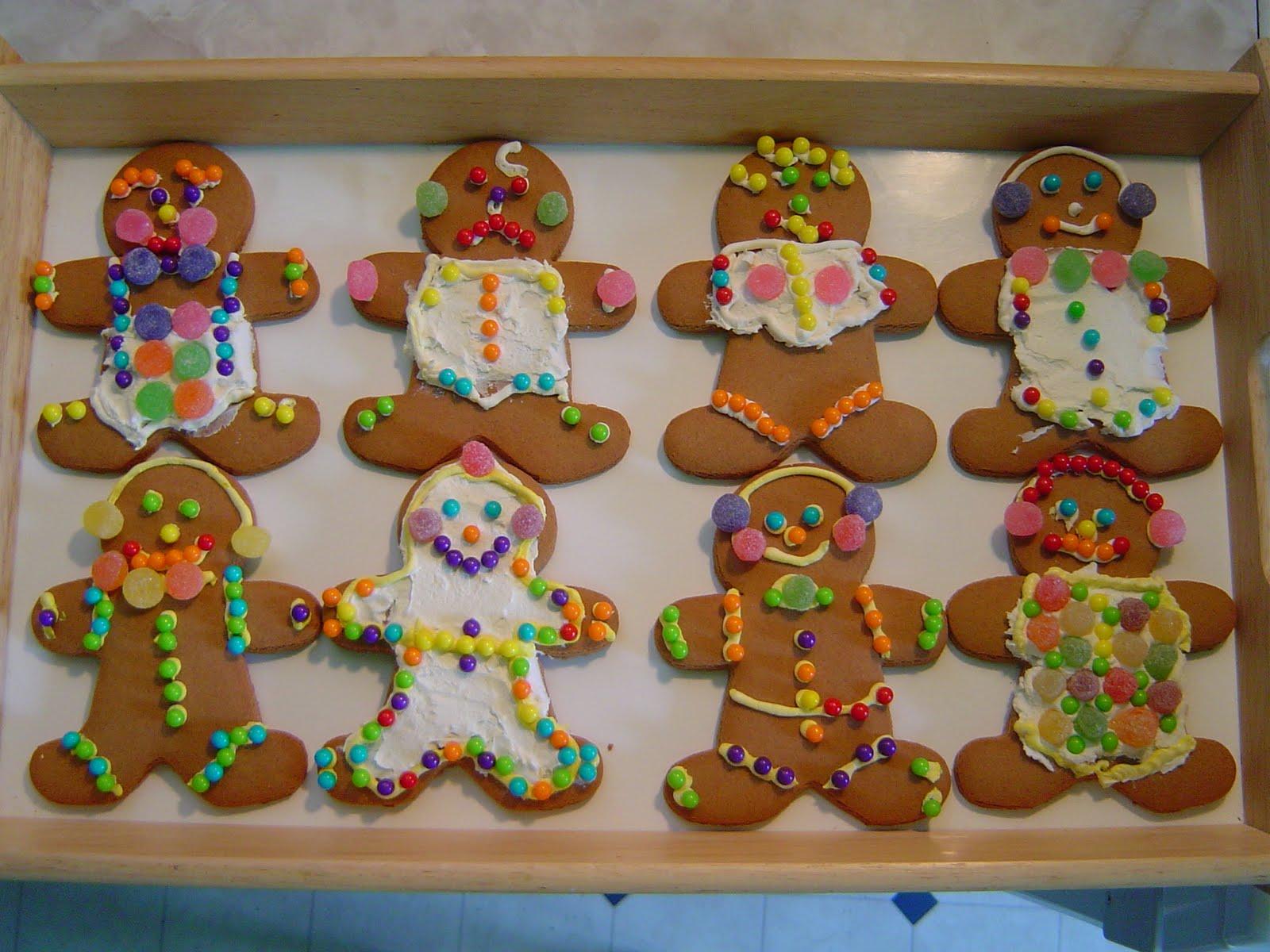Bob 39 s bad golf decorating gingerbread man cookies in june - Decorations for gingerbread man ...