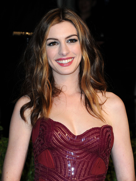 Anne Hathaway | Actres... Anne Hathaway Brown
