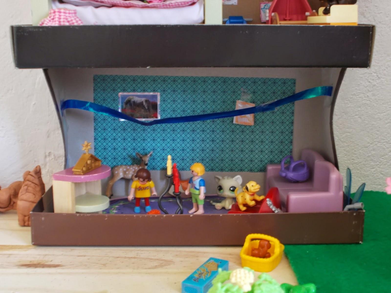 framboise et papyrus une maison de poup e en cartons. Black Bedroom Furniture Sets. Home Design Ideas