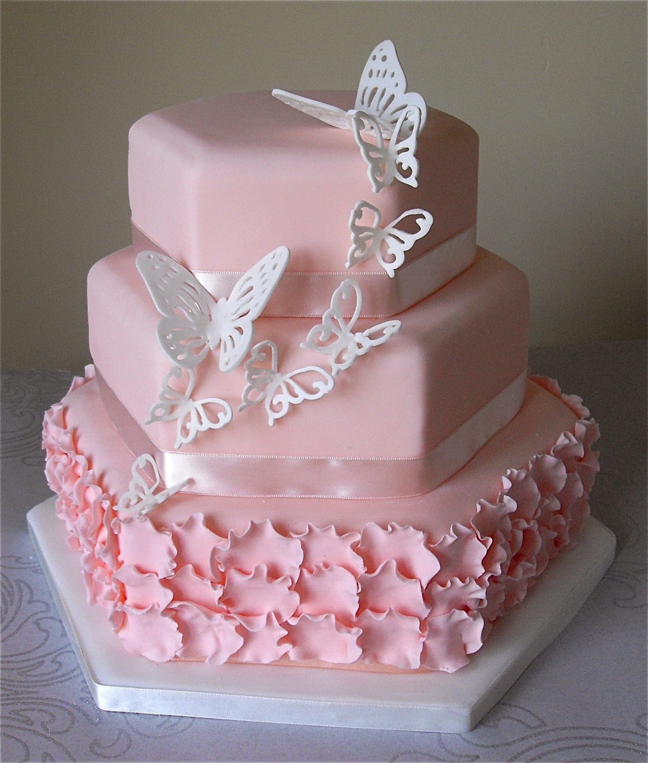 Expensive wedding cakes for the ceremony: Butterfly wedding cakes ...