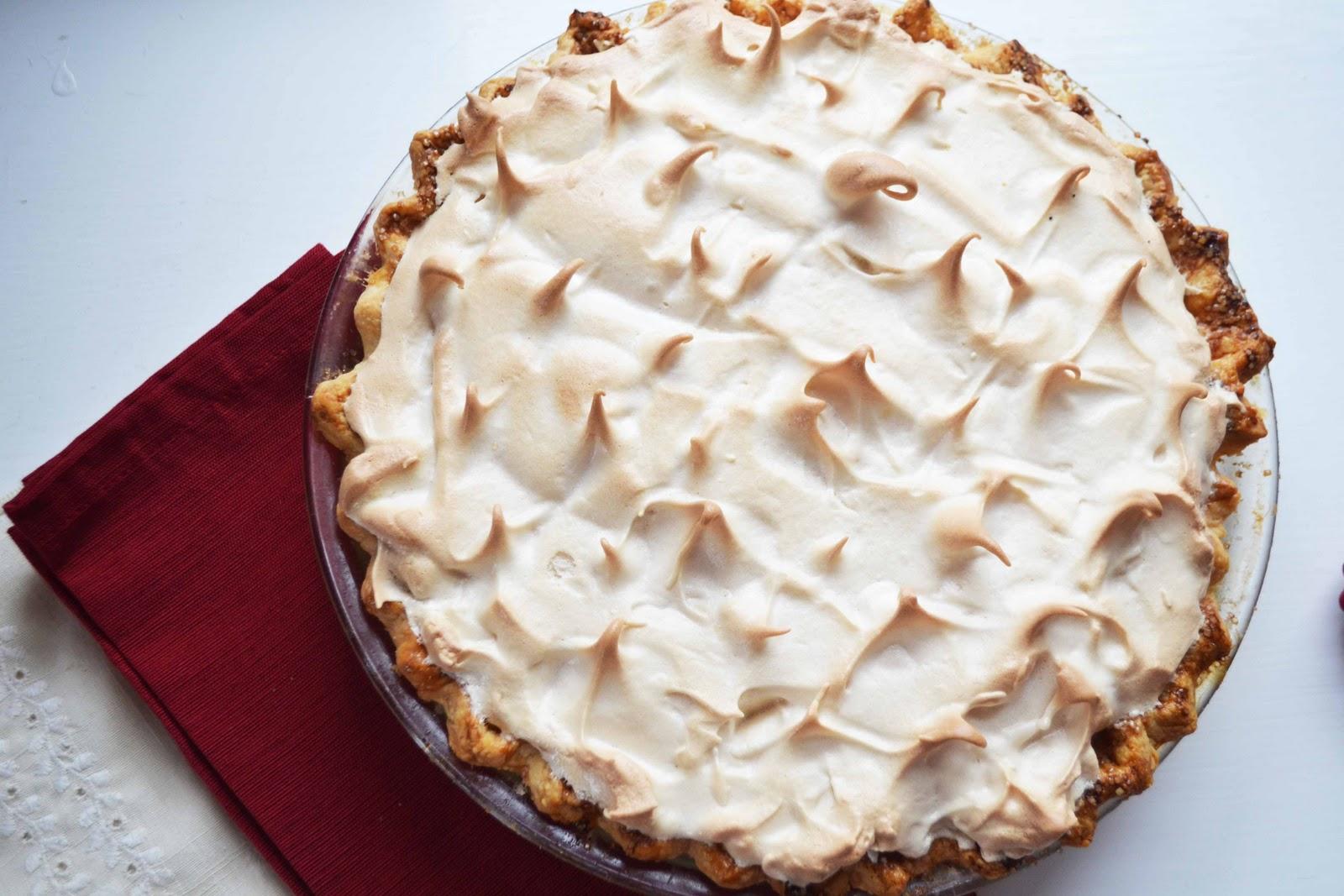 Bakeaholic Mama: Maple Brown Sugar Cream Pie w/ Brown Sugar Meringue