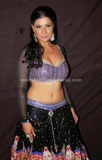 Hot Deep Navel Show actress Sambhavna Seth hot photos,