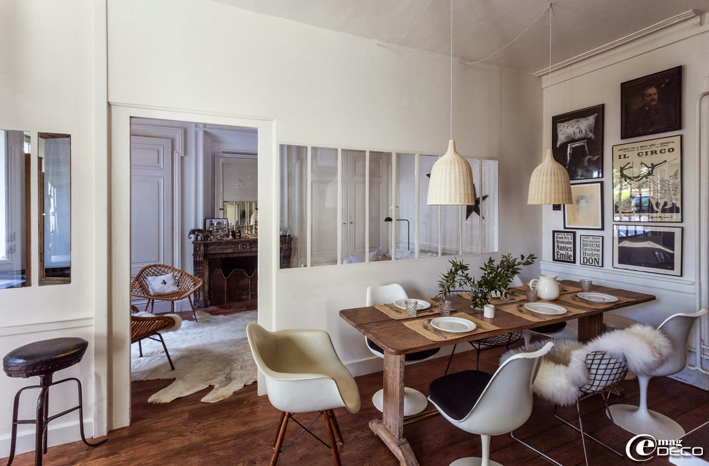 Interior decorative florence bouvier 39 s house in lyon for Table et chaises salle a manger