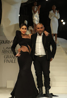 Kareena Kapoor Latest Pictures at LFW Winter Festive 2015 Grand Finale ~ Bollywood and South Indian Cinema Actress Exclusive Picture Galleries