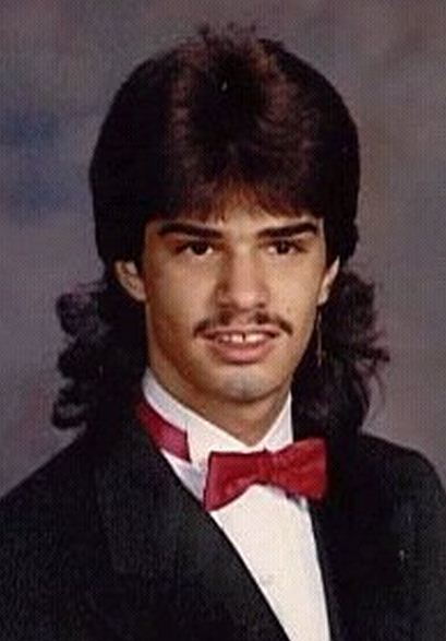 capelli lunghi uomo anni 80