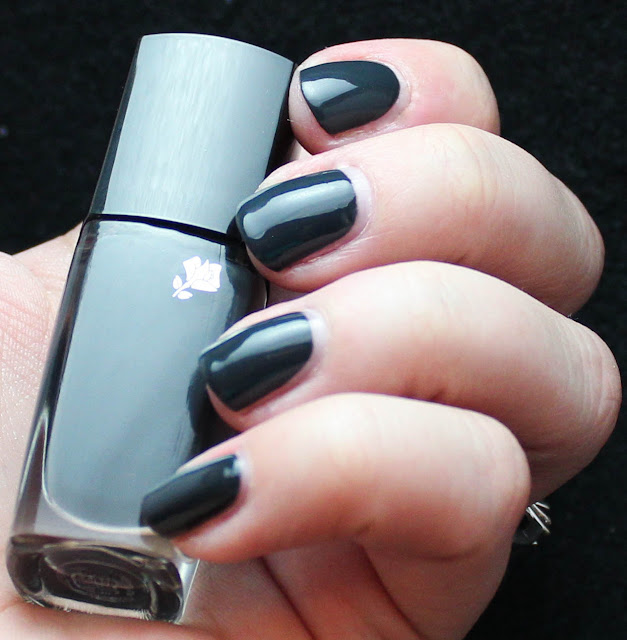 Nails4Dummies - Lancome Noir Caviar
