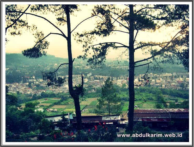 Bukit Gundalng Berastagi Sumatera Utara