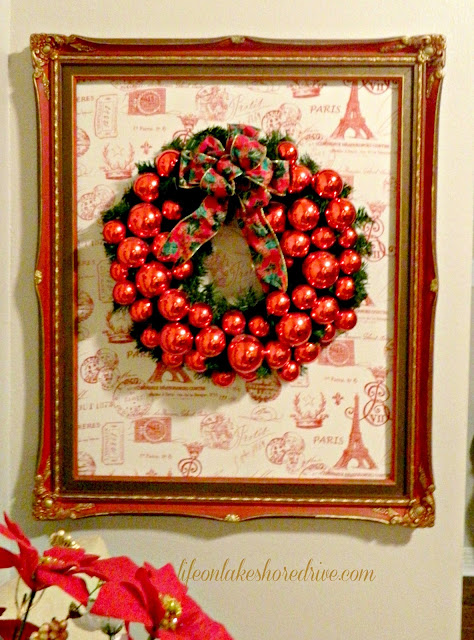"alt=""DIY red ornaments Christmas wreath"""