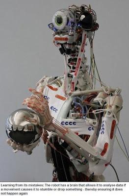 筋肉機器人 知錯能改