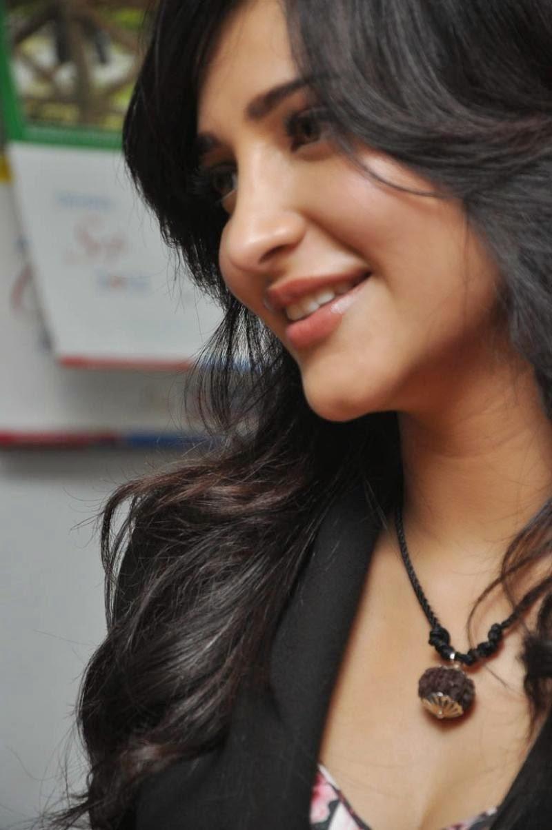 S, Shruti Hassan, Shruti Hassan Hot pics, Telugu Movie Actress, Tollywood Actress, HD Actress Gallery, latest Actress HD Photo Gallery, Latest actress Stills, Indian Actress, Actress, Hot Images,Shruti Hassan latest Hot photo Galleryz