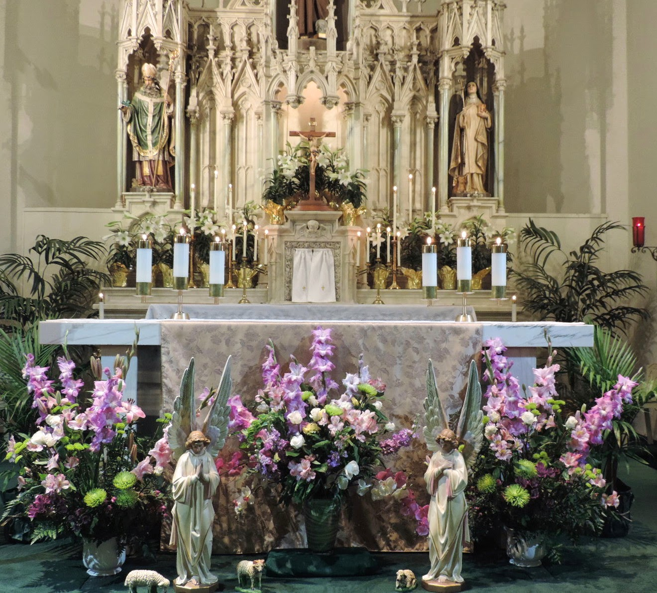Front Of Church Altar Decorations: St Francis Of Assisi Parish, Bend, OREGON: Our Churches At